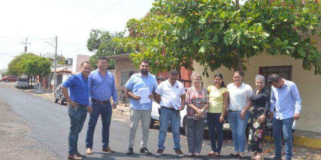 DSC 0633 660x330 - Supervisa Rafael Mendoza trabajos de bacheo – Archivo Digital Colima - #Noticias
