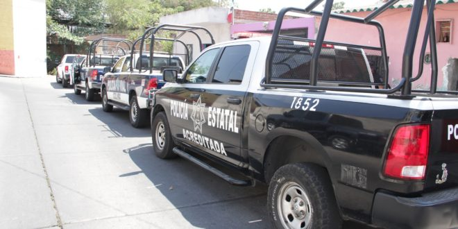 PATRULLA 10 660x330 - Policía estatal acreditada detiene a sujetos con droga y arma – Archivo Digital Colima