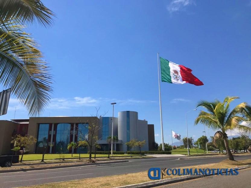 complejo administrativo bandera mexicana - Darán de baja a trabajadores de gobierno del estado que vayan a vacacionar durante periodo de aislamiento por coronavirus