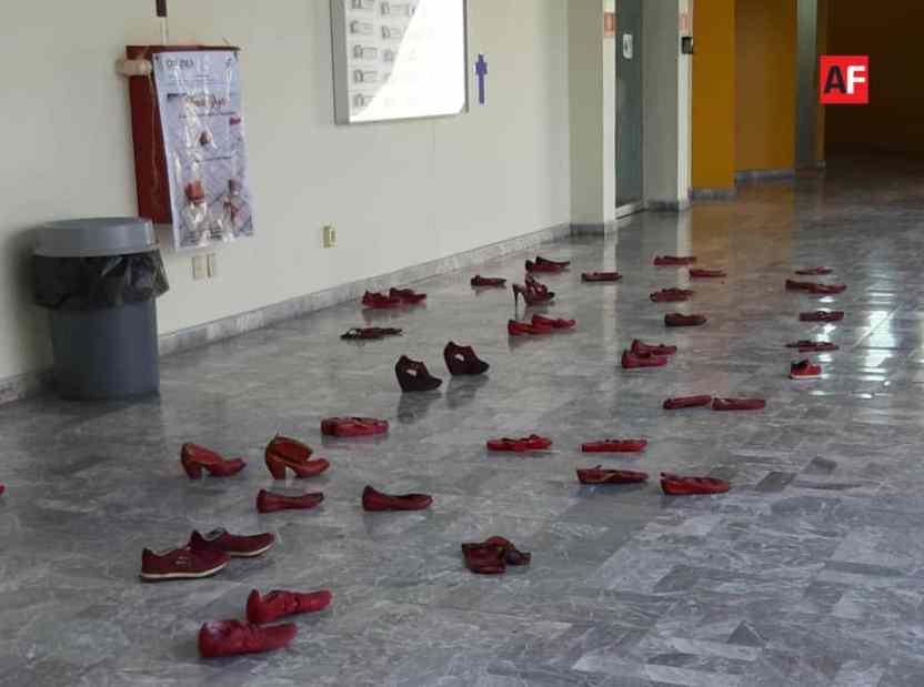 feminicidios 2 - Zapatillas de las ausentes - #Noticias