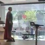 superman - Usuarios vuelven tendencia a figura de Superman que aparece en VIDEO de la balacera en la CdMx - #Noticias