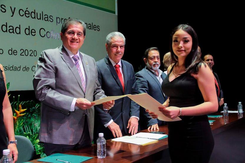 titulos - Entrega UdeC 321 títulos profesionales - #Noticias