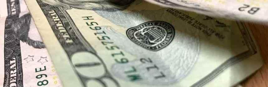 dolar 3 - Recuperación de precio del petróleo genera desempeño mixto en divisas