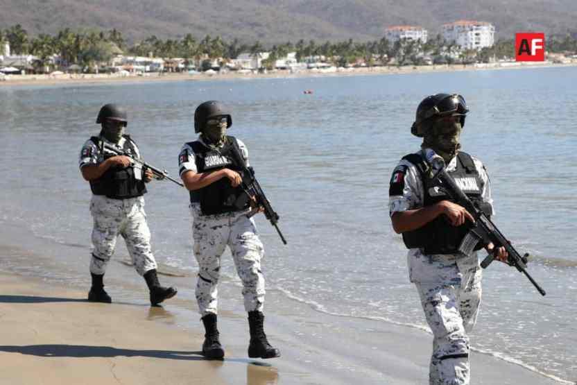playa cerrada covid19 4 - Guardia Nacional y Policía Estatal cierran playas de Colima