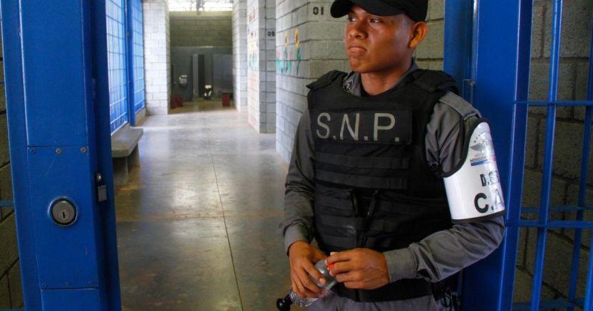 68a4951980cde3e57c3852278e3552993a3b44e2 1 crop1590789149965.jpg 673822677 - Casos de COVID-19 suben en las hacinadas prisiones de Centroamérica