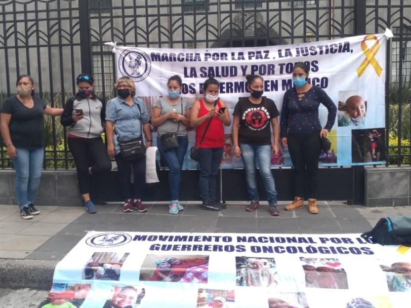 huelga hambre - Padres de niños con cáncer, en huelga de hambre por falta de medicamentos