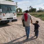 GettyImages 1159806881 scaled - Legisladores demócratas instan a ICE a liberar a familias migrantes en centros de detención