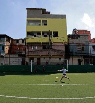 GettyImages 1214775059.jpgquality80stripall - Rescatan a siete jóvenes de una red de prostitución en España, les habían prometido una carrera en el fútbol