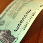 GettyImages 1221870058 Fotor 5.jpgquality80stripall - IRS asegura haber repartido un dineral en cheques de estímulo, pese a inconvenientes de beneficiarios