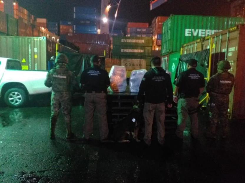 1596241726 manzanillo - Semar, FGR y Aduana aseguran 130 kilos de cocaína en el puerto de Manzanillo
