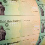 GettyImages 81027626 2 scaled - ¿Habrá más personas que califiquen para recibir un segundo cheque de estímulo?