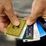 GettyImages 87874564 scaled - La pandemia habría logrado que los estadounidenses disminuyeran la deuda de sus tarjetas de crédito