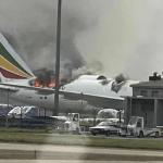 avion shanghai incendio - VIDEO: Un avión de carga se incendia en aeropuerto de Shanghái, China; no se reportan víctimas