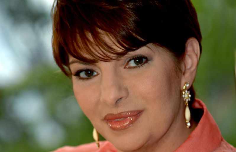 "carmenjuliaversionfinal - ""Es muy fuerte"": Carmen Julia Álvarez es captada llorando la muerte de Daniel Alvarado"