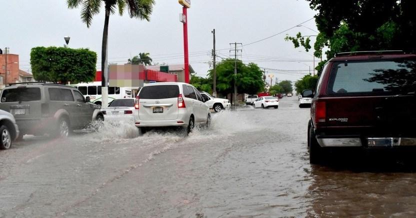 conducir bajo la lluvia se vuelve algo peligroso si no se toman las medidas adecuadas  matxas rodrxguez el debate crop1594688935573.jpg 673822677 - En las lluvias la imprudencia es la causante de accidentes en Salvador Alvarado