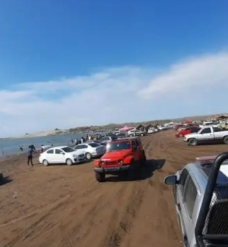 guasave - VIDEOS: Cientos de personas se aglomeran en la Playa las Glorias, en Sinaloa, a pesar de la COVID-19