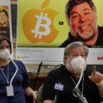 steve wozniak apple youtube ok - Steve Wozniak demanda a Google y YouTube por publicidad fraudulenta de bitcoin