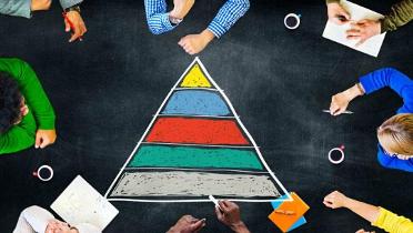 Imagen 1 - La famosa Pirámide del estadounidense Maslow
