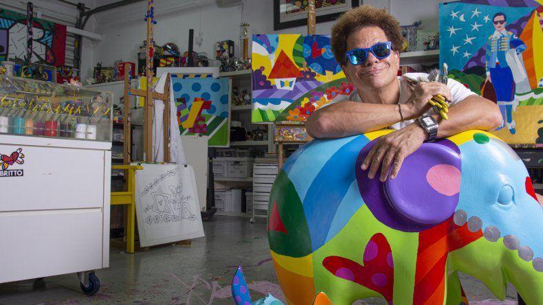 Romero Britto2 - ¡La encontraron! Esta fue la mujer que destrozó la costosa escultura a Romero Britto