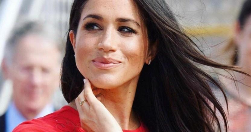 meghan red instagram crop1598028112510.jpg 673822677 - El nuevo hobbie de Meghan Markle arruinaría al Príncipe Harry