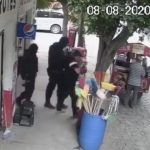 video 2 - Sujetos uniformados levantan a tendero en Jalisco; fiscalía indaga (Video)