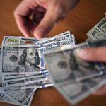 GettyImages 1090638306 1 5 scaled - ¿Quiénes necesitan tomar acción todavía para recibir un cheque de estímulo?