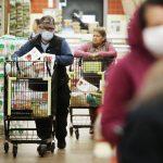 gettyimages 1213550633 1 scaled - Por qué NO deberías comprar comida orgánica en Walmart