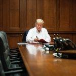 """trump - Trump dice sentirse mucho mejor; """"no está fuera de peligro"""", aclara su médico"""