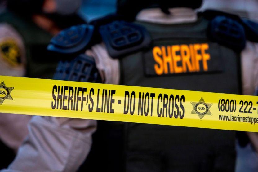 3e15329c6ac3de8ddf7de2b5d2d835bab3bc73b1 - Agentes matan a balazos a un hombre y encuentran cerca a una víctima de otro tiroteo