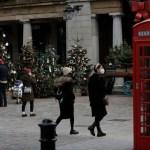 ap20331738832820 - Inglaterra ampliará restricciones por la COVID-19; tiendas y restaurantes abrirán con medidas