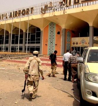 ataque 2 - Tres explosiones dejan al menos 16 muertos y medio centenar de heridos en aeropuerto de Yemen