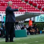 vucetich molesto lesion alexis vega - Víctor Manuel Vucetich seguirá al frente de Chivas por dos principales razones