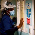 27785e596bece601329ec87169a617d4b9537741 - Coronavirus en California: están muriendo más personas, pero los casos han bajado a un 50% en semanas