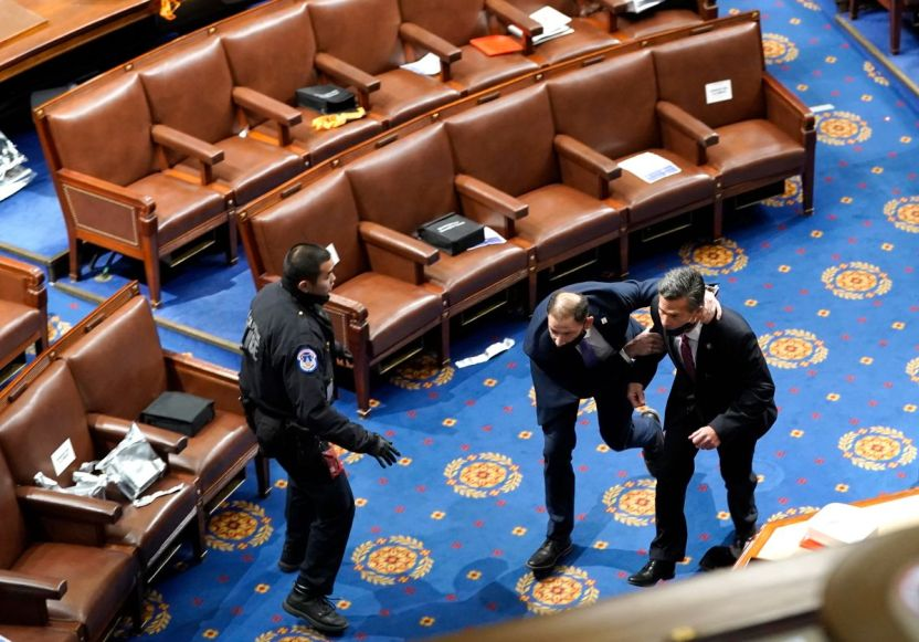 GettyImages 1294930419 - Congresistas pudieron ser expuestos a coronavirus durante el asalto al Capitolio