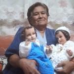 anciana teje - Anciana de 75 años con Parkinson teje para seguir subsistiendo. Perdió a su familia por el COVID-19