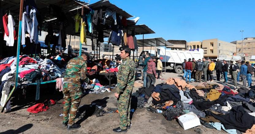 """ataque irak - Dos se hacen explotar en mercado de Bagdad y dejan 28 muertos; es un """"ataque terrorista suicida"""": autoridades"""
