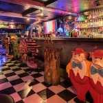 bar alicia pais de las maravillas 1 - Abren bar inspirado en Alicia en el País de las Maravillas. Puedes tomar, resolver acertijos y jugar
