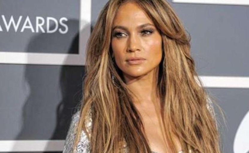 jennifer lopez cantante ap1 crop1610592963337.jpeg 242310155 - Nuevo video de Jennifer Lopez aparece ¡Posando al natural!