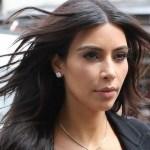 kardashian west afp crop1611620078846.jpg 242310155 - ¡Con solo flores Kim Kardashian se cubre sus encantos!