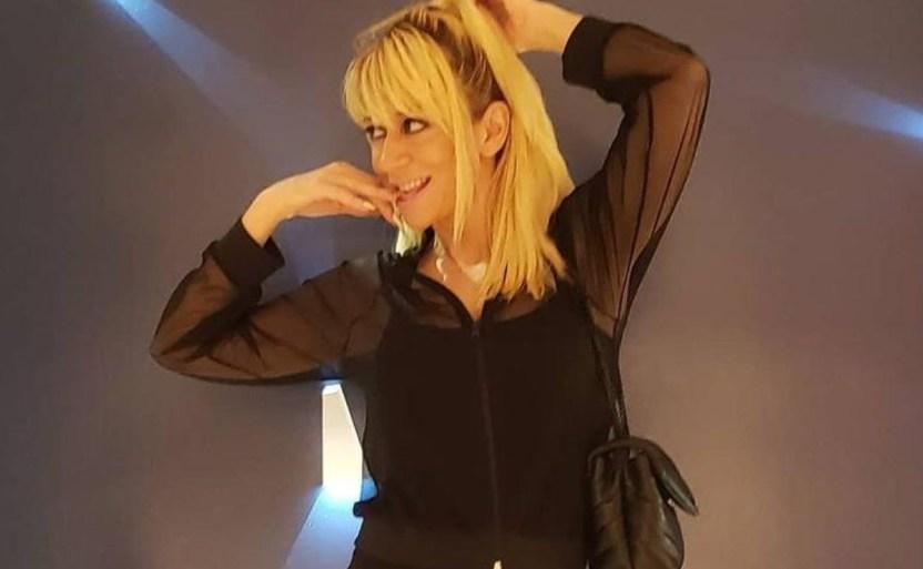 noelia de negro1 crop1610586920050.jpg 242310155 - ¡Atrevido video de Noelia con encaje completo y transparente!