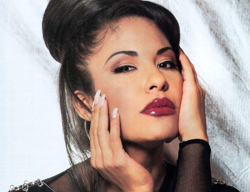 1015 SELENAcover01994 1 e1612189695696 - La vieja entrevista de Selena que hizo llorar a Suzette Quintanilla