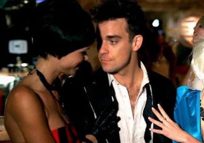 24 4 - Robbie Williams confesó TODO sobre su escandalosa y salvaje vida sexual