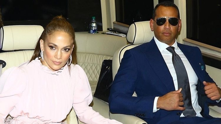Jennifer Lopez con su marido 1920 - ¿Por qué Jennifer Lopez tuvo que ir a terapia con Alex Rodríguez?