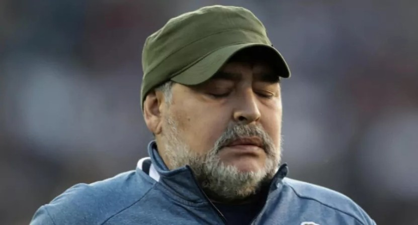 diego maradona - Maradona se podría haber salvado, afirmó su antiguo doctor