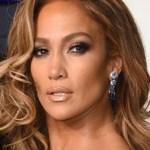 jennifer lopez empresaria ap crop1613972139284.jpg 242310155 - 26 perfumes que Jennifer Lopez ha lanzado en su carrera