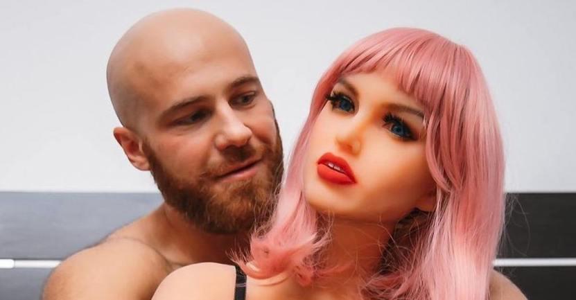margo muneca 23 5 - Quando finisce un amore: bodybuilder divorzia dalla sua bambola e annuncia il suo nuovo fidanzamento