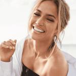 2jlo crop1618610140330.png 242310155 - La fortuna de Jennifer Lopez: Sus varios anillos de compromiso