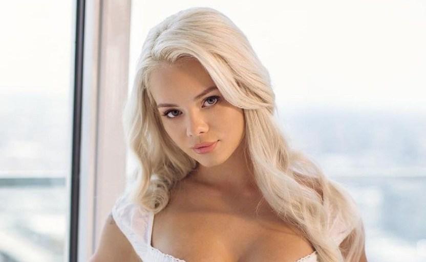 elsa jean dream.jpg 242310155 - Presume Elsa Jean coqueto vestido blanco ¡Es bastante corto!