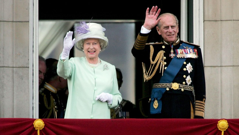Reina Isabel Felipe Edimburgo e1493889862800 - Reina Isabel reveló quién reemplazará a su esposo en un importante desfile