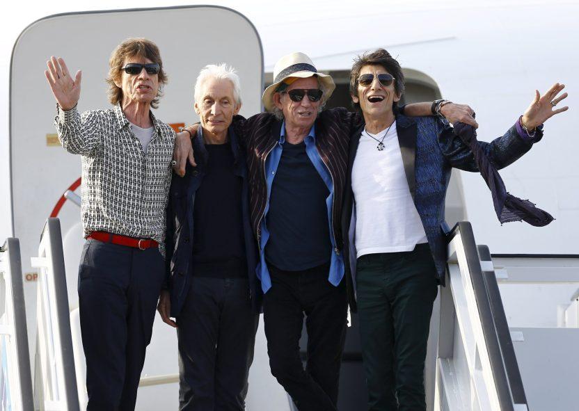2016 03 24T235002Z 1608083089 GF10000359649 RTRMADP 3 CUBA ROLLINGSTONES scaled - Cómo llegó a The Rolling Stones, la mujer que lo salvó y los puños con Jagger